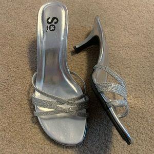 NWOT Silver heels